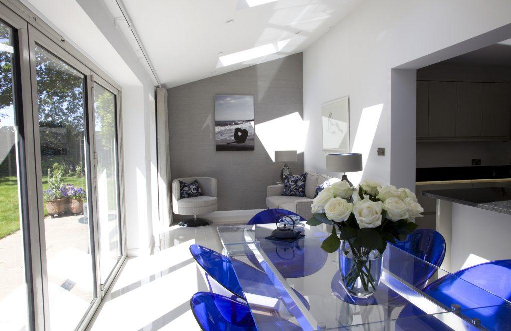 rsz_blue_modern_minimalist_kitchen_diner_2