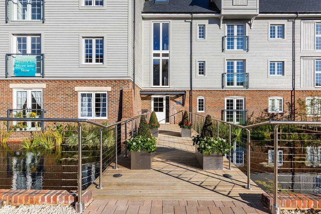 apartments to buy in Horsham Surrey